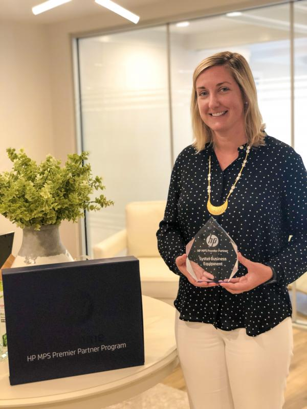 Janene Aul with MPS Premier Partner 2019 Award